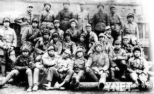 当年剿匪小分队在海林集体照