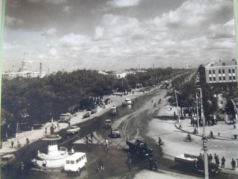 1959年的安乐街与和平路(朱俊峰拍摄)