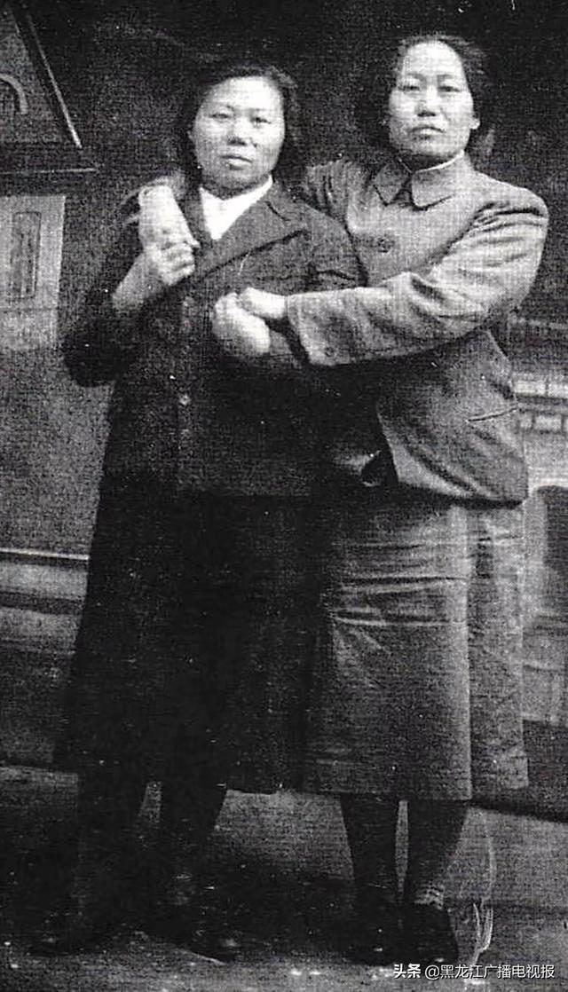 李在德1945年12月与朴英善在岔路河